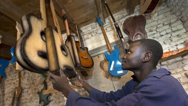 Gitarren statt Gewehre - Brot für die Welt