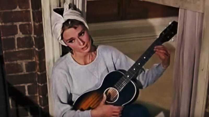Moonriver - Audrey Hepburn